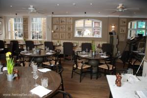 094_Henley_Ceiling_Fan_Hunter_savoy_white_mews_mayfair_restaurant_001