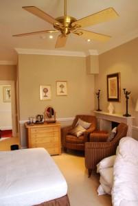 326_Hunter_savoy_ceiling_fan_kingston_house_bedroom