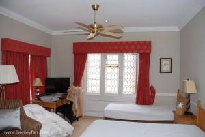 327_Hunter_savoy_ceiling_fan_kingston_house_bedroom