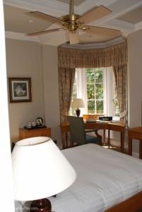 328_Hunter_savoy_ceiling_fan_kingston_house_bedroom