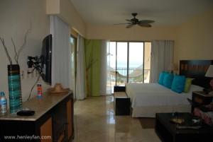 462_Hunter_ceiling_fan_maribel_garza_resort_lounge