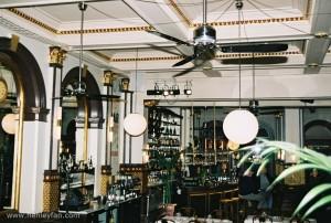474_Hunter_ceiling_fan_24292_tribeca_chrome_restaurant